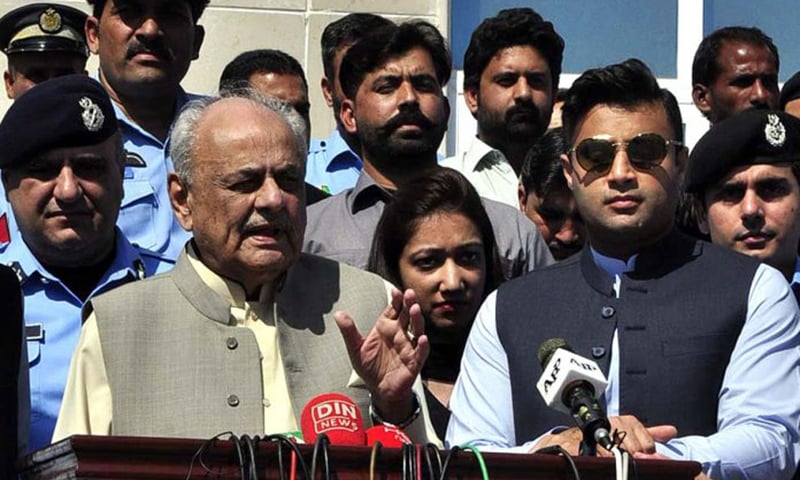 Calling those planning to hold a march on Islamabad enemies of the country, Interior Minister retired Brig Ijaz Ahmed Shah (left) has ruled out any threat to the government. — APP