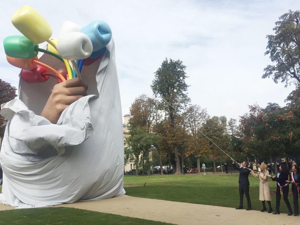 مجسمے کا افتتاح گزشتہ ہفتے کیا گیا تھا—فوٹو: ٹوئٹر