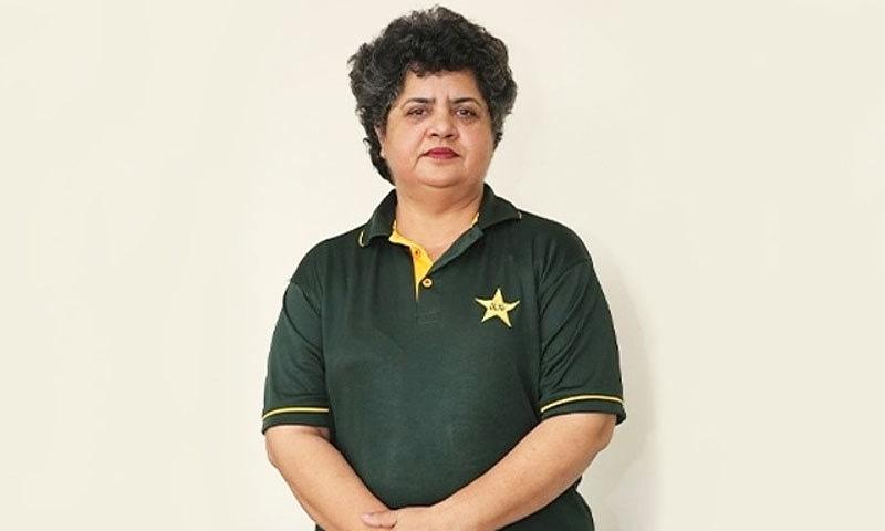 حمیرا فرح 28 سال سے یونیورسٹی میں ڈائریکٹر اسپورٹس کی خدمات سر انجام دے رہی ہیں—اسکرین شاٹ یوٹیوب/ پی سی بی