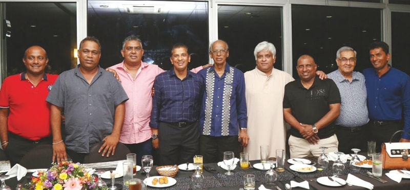 Neil Perera (centre) is flanked by 1996 World Cup winners (from left) Hashan Tillakaratne, Ravindra Pushpakumara, Asanka Gurusinha, Roshan Mahanama, Arjuna Ranatunga, Aravinda de Silva, former curator Anuruddha Polonowita and Upul Chandana during his 90th birthday party in Colombo last August | Courtesy SLC