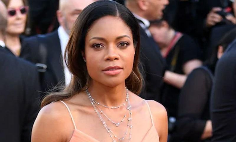 اداکارہ کے مطابق معروف اداکار نے سب کے سامنے نازیبا حرکت کی —فوٹو: اے ایف پی