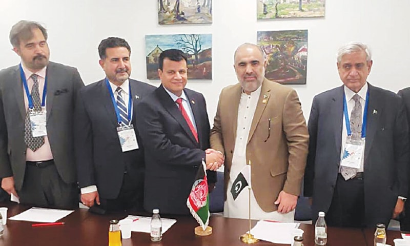 Belgrade: National Assembly Speaker Asad Qaiser shakes hands with his Afghan counterpart Rahman Rahmani.—INP