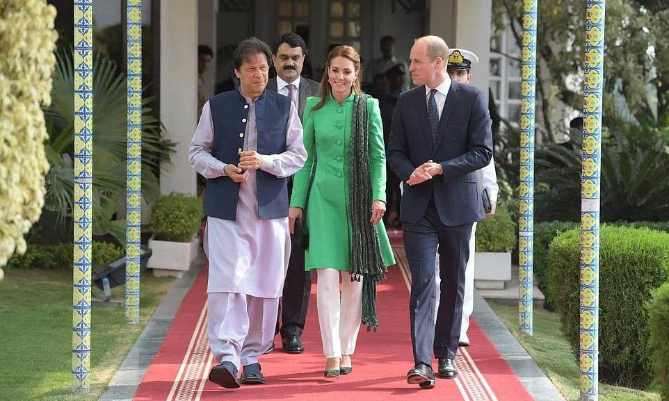 Duke and Duchess of Cambridge Prince William and Kate Middleton meet Prime Minister Imran Khan on Tuesday. — PTI Twitter