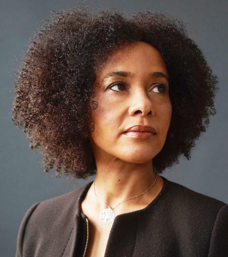 برنارڈین ایوراسٹو ایوارڈ جیتنے والی پہلی سیاہ فام خاتون ہیں—فوٹو: گرین وچ بک فیسٹیول