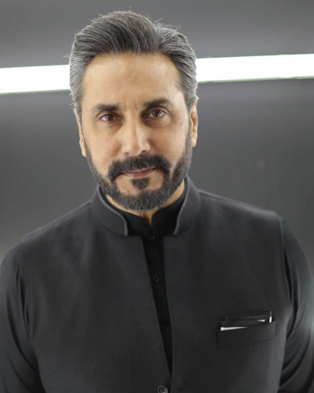 عدنان صدیقی کا شمار پاکستان کے نامور اداکاروں میں کیا جاتا ہے — فوٹو/عدنان صدیقی انسٹاگرام