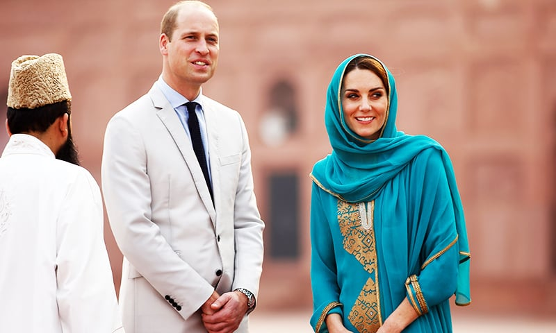 The Duke and Duchess of Cambridge Prince William and Kate Middleton visit the iconic Badshahi Mosque in Lahore . — Reuters