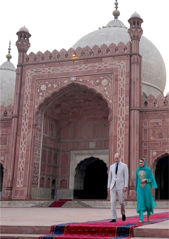 The Duke and Duchess of Cambridge, Prince William and Princess Kate Middleton visit the Badshahi Masjid in Lahore on Thursday.—Reuters