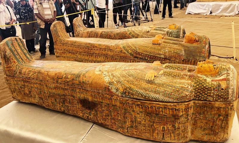 تابوتوں کو آئندہ برس تک عجائب گھر میں رکھ دیا جائے گا—فوٹو: محکمہ آثار قدیمہ مصر ٹوئٹر