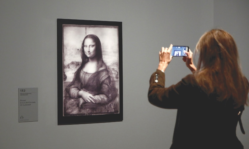 PARIS: An infrared reflectography of the 'Mona Lisa' painting is pictured during a press briefing for the Da Vinci exhibition  on Sunday.—Reuters