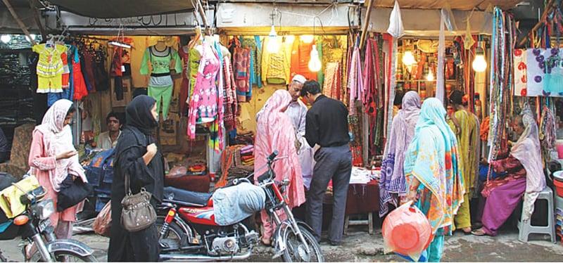 لاہور کے دیواربند شہر میں موجود دکانیں—محمد عارف/وائٹ اسٹار