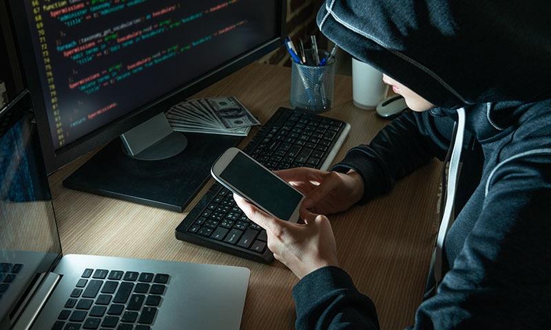 موبائل فون وائرس سے پاکستانی حکام کو نشانہ بنانے کا انکشاف