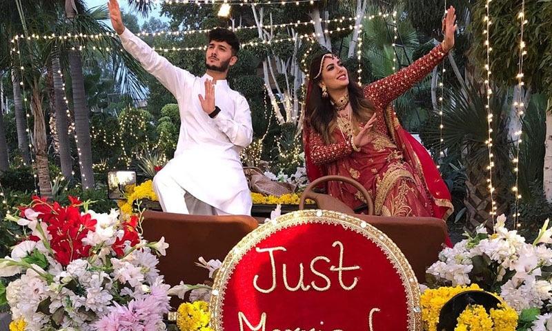 ان دونوں نے یہ شادی گلوکار ابرارالحق کے ایک گانے کی ویڈیو کے لیے کی — فوٹو/ انسٹاگرام
