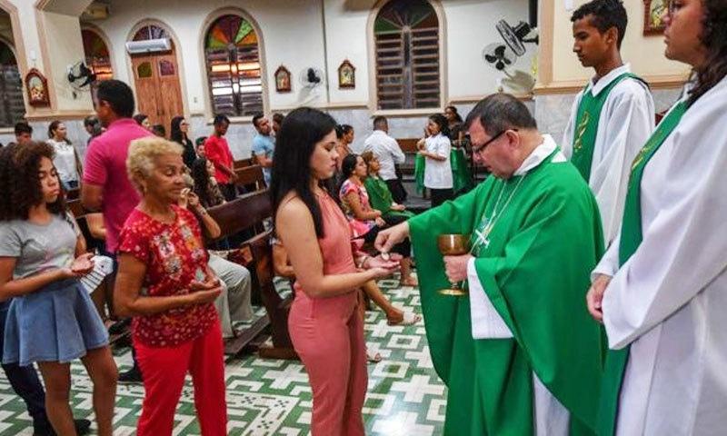 ایک ہزار سال بعد شادی شدہ مرد حضرات کو 'پادری' بنانے کی تجویز