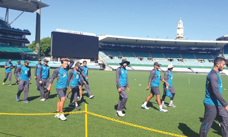 SYDNEY: Pakistan T20 squad members arrive for a practice session at the Sydney Cricket Ground on Monday.—Courtesy PCB