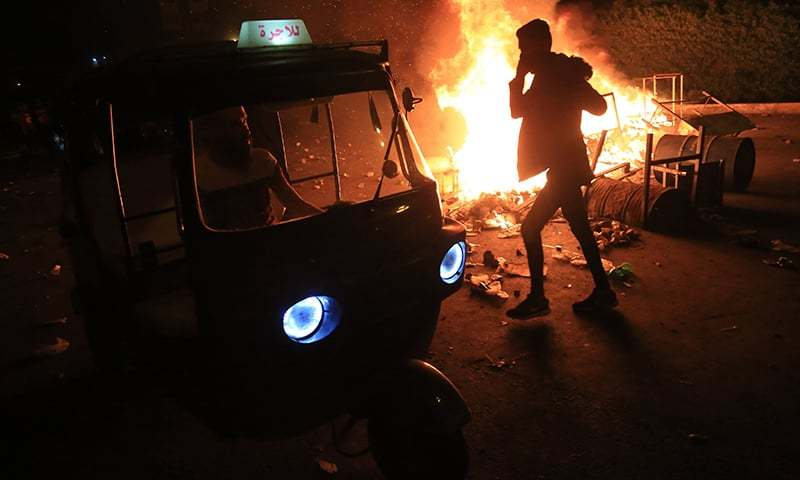 کربلا: مظاہرین پر پولیس کی فائرنگ، 13 ہلاک، 865 زخمی