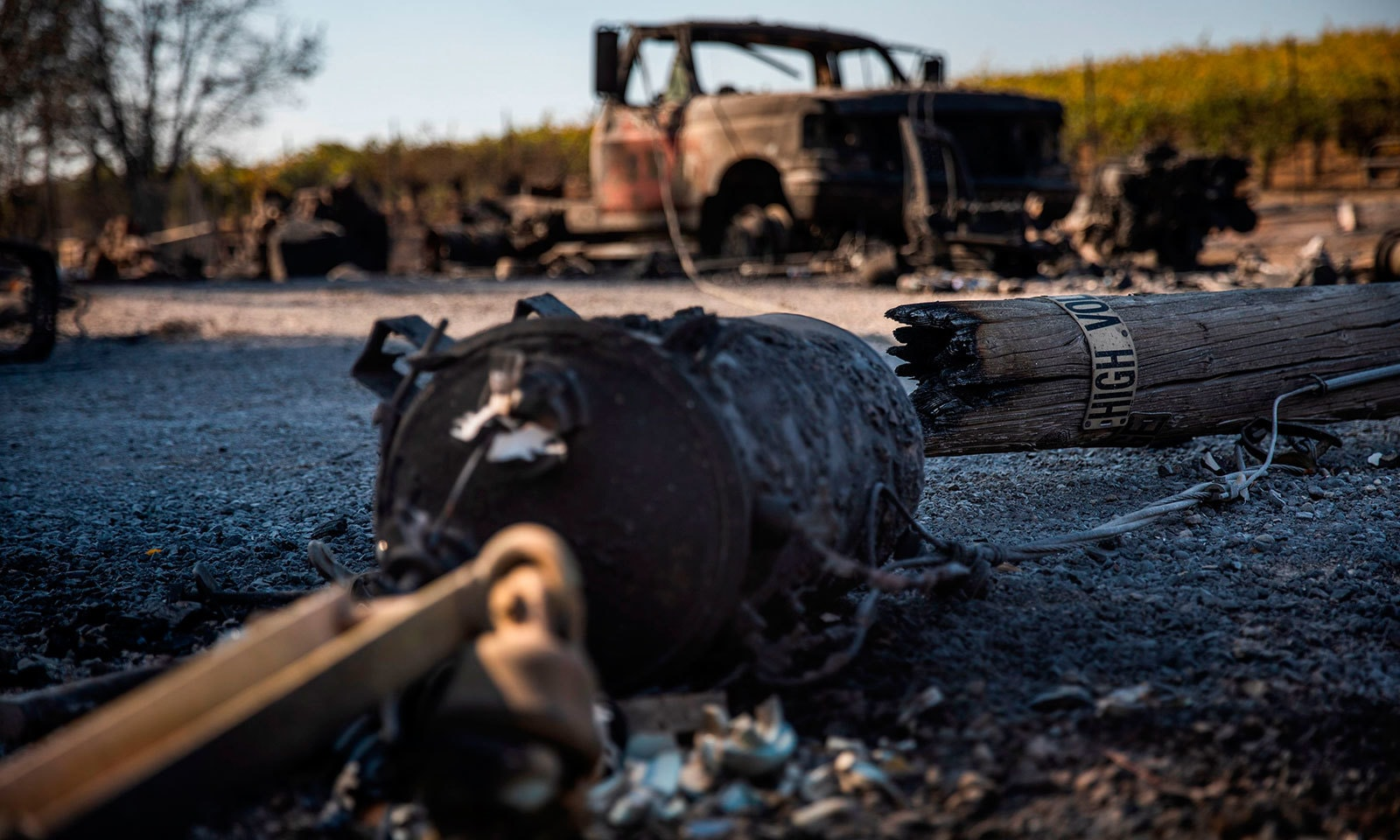 امریکی ریاست میں لگنے والے آگ نے سرکاری املاک کو بھی نقصان پہنچایا—فوٹو:اے ایف پی