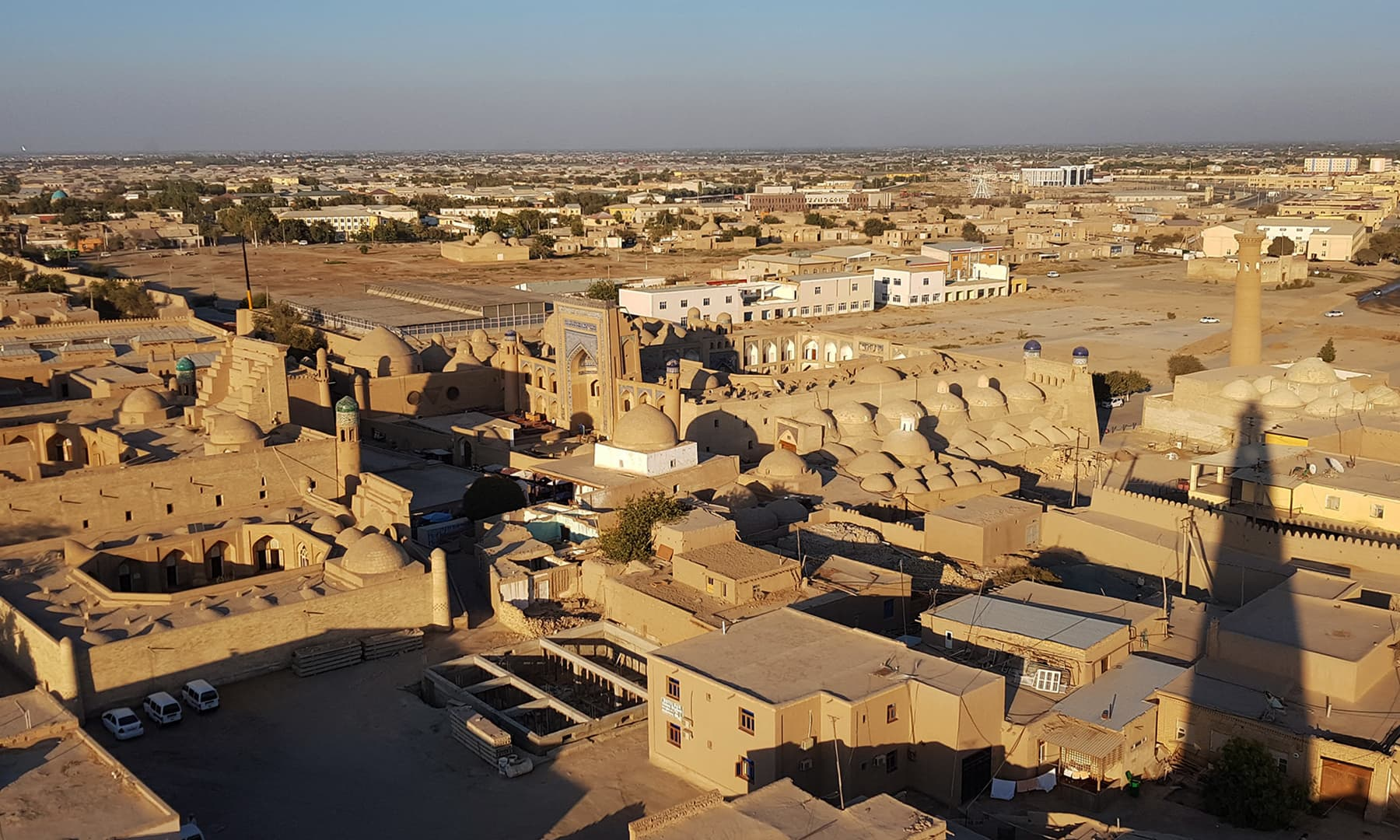 خیوا ماضی کی معروف اور تاریخی 'سلطنت خوارزم' کا صدر مقام تھا