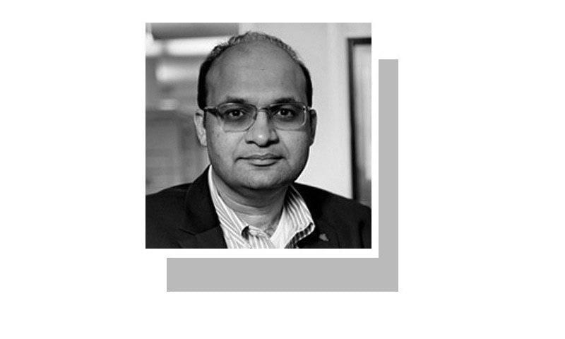 لکھاری لاہور یونیورسٹی آف مینیجمنٹ سائنسز میں اکنامکس پڑھاتے ہیں، اور IDEAS لاہور کے ویزیٹنگ فیلو ہیں۔