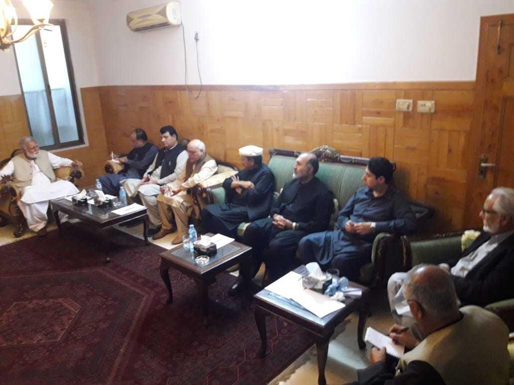 رہبر کمیٹی کےاجلاس میں اپوزیشن جماعتوں کے رہنما شریک ہیں—فوٹو: جاوید حسین