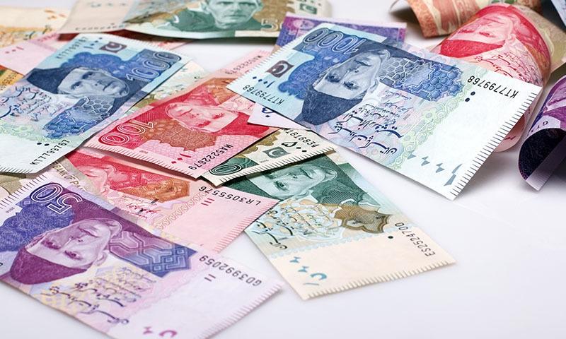 فارمولے کے تحت وزارتوں، محکموں اور دیگر اداروں کو پہلی اور دوسری سہ ماہی میں مختص فنڈز کا 20، 20 فیصد خرچ کرنا ہے—تصویر: شٹر اسٹاک