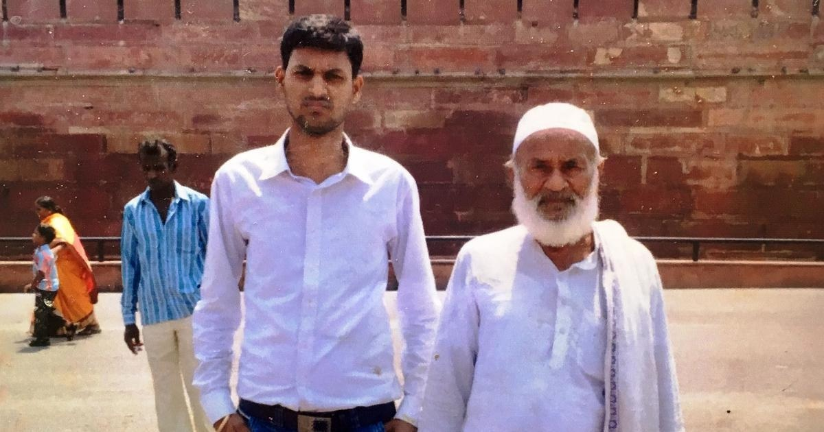 Zainul Ansari and his grandson at Delhi's Red Fort.