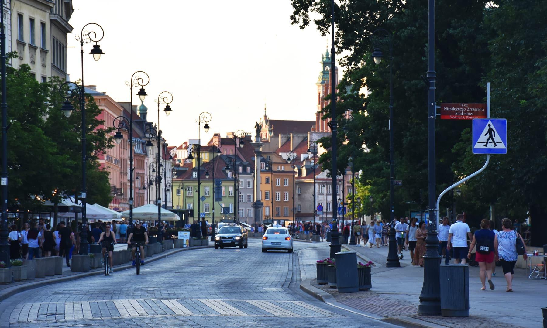 وارسا کی ایک شارع