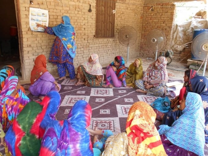 Women in Balochistan learn safety measures that they can resort to in the event of disasters. — Photo courtesy: World Bank