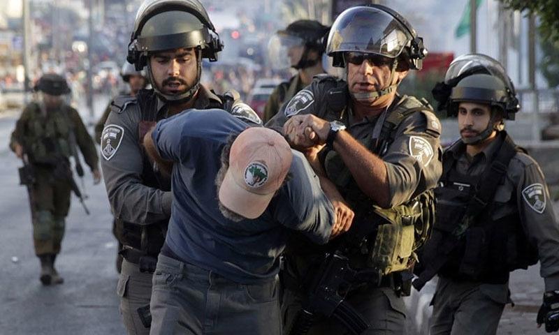 ویڈیو پر عوامی غم و غصہ دیکھتے ہوئے اسرائیلی حکام نے دعویٰ کیا کہ وہ واقعے کی تحقیقات کر رہے ہیں۔ — فائل فوٹو/اے پی