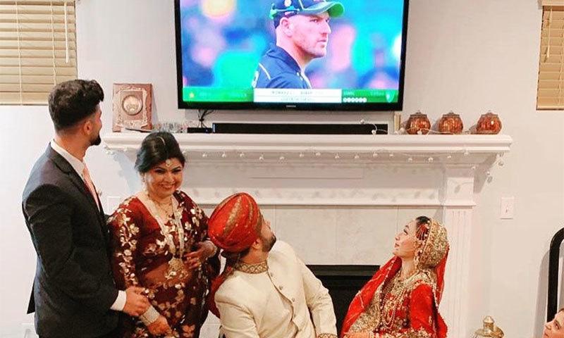 نوجوان شادی کی رات بھی پاکستان کا میچ دیکھنا نہ بھولا— فوٹو: بشکریہ آئی سی سی