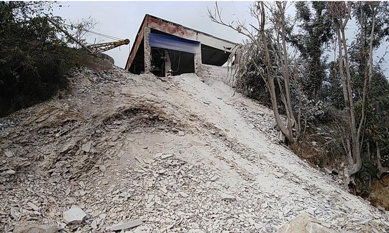 بونیر میں واقع ایک ماربل کا کارخانہ—نصیب یار چغرزئی