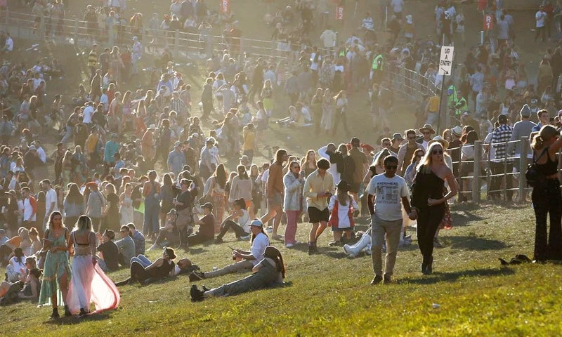 خیال کیا جاتا ہے کہ پارٹیوں اور فیسٹیولز کے شرکا منشیات کے عادی ہوتے ہیں—فوٹو: شٹر اسٹاک
