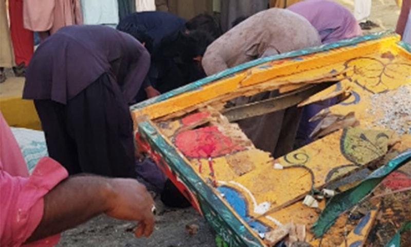 حادثے میں ہلاک افراد کا تعلق کھوسو اور کوہلی برادری سے تھا — فوٹو: محمد حسین خان