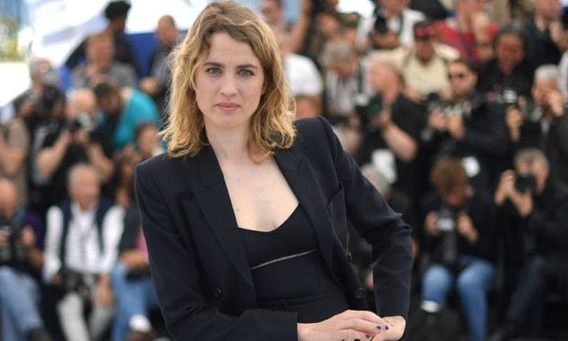اڈیل فرانس کی نامور اداکارہ ہیں — فوٹو/ اے ایف پی