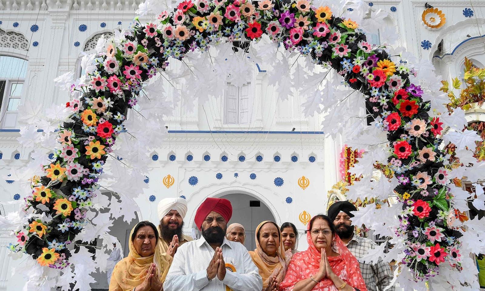 گوردوارہ ڈیرہ صاحب آنے والے سکھ یاتریوں کے لیے دیگر سہولیات کا انتظام بھی کیا گیا ہے — فوٹو: اے ایف پی