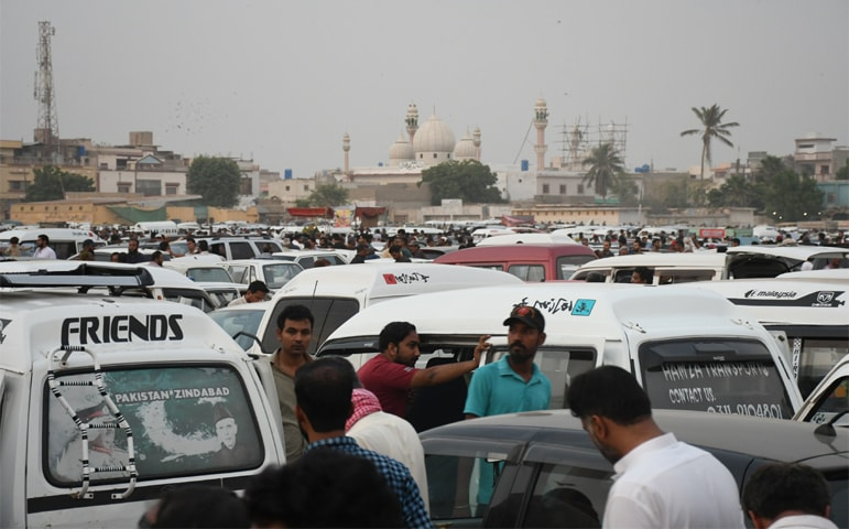 A huge car bazaar in North Karachi area draws many buyers interested in used cars | Faysal Mujeeb/White Star