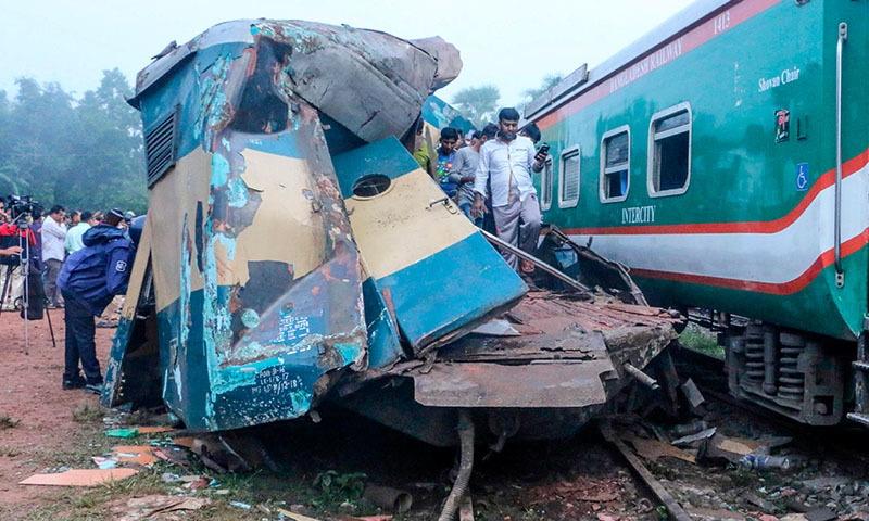 بنگلہ دیش ریلوے اتھارٹیز نے 3 تحقیقاتی کمیٹیاں قائم کردی ہیں، وزیر ریلوے — فوٹو: اے ایف پی