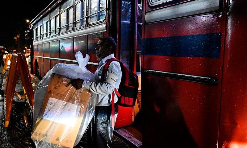 سری لنکا میں ٹرن آؤٹ 80 فیصد رہا—فوٹو:اے ایف پی