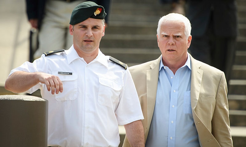 میٹ گولسٹین پر طالبان کے مبینہ بم ساز کو قتل کرنے کا الزام تھا— اے پی