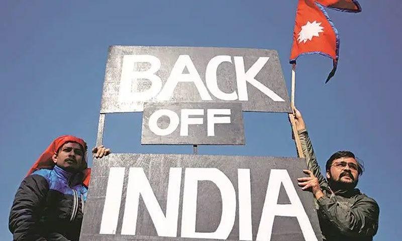 نیپال کے شہر کھٹمنڈو میں بھارت مخالف مظاہرہ کیا گیا—فوٹو:رائٹرز