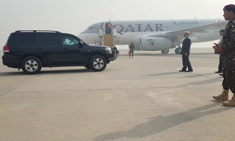 ایئر ایمبولینس پاکستانی رات ساڑھے 11 بجے ہیتھرو ایئرپورٹ پہنچے گی—تصویر: ڈان نیوز