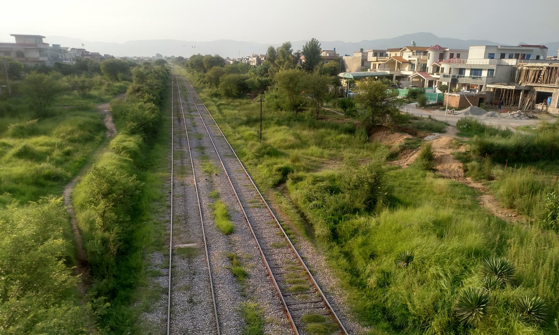 سیکٹر جی 13 سے گزرنے والا ریلوے ٹریک