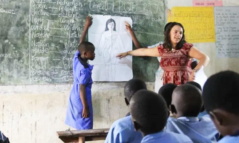 میری اسٹوپس یوگنڈا میں ماہانہ 15 لاکھ کنڈوم تقسیم کرتی ہے،—فوٹو: ڈیویکس