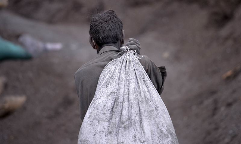 وعدے کے باوجود پاکستان مزدوروں کے حقوق میں بہتری لانے میں ناکام