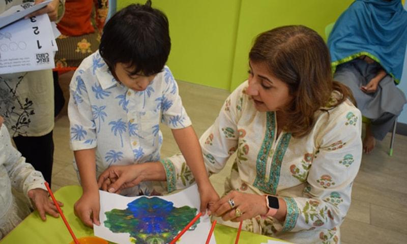 کے ڈی ایس پی میں بچوں کی تربیت کی جارہی ہے—فوٹو کے ڈی ایس پی