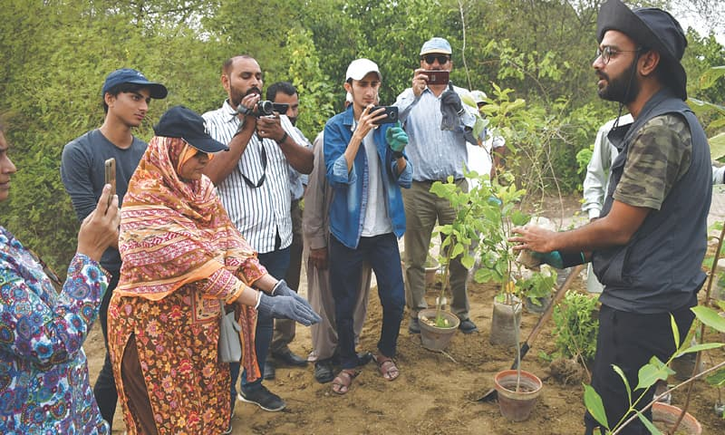 Jungle tree expert Gaurav Gurjar briefs workshop participants on the Miyawaki method of growing urban forest on Friday.—White Star