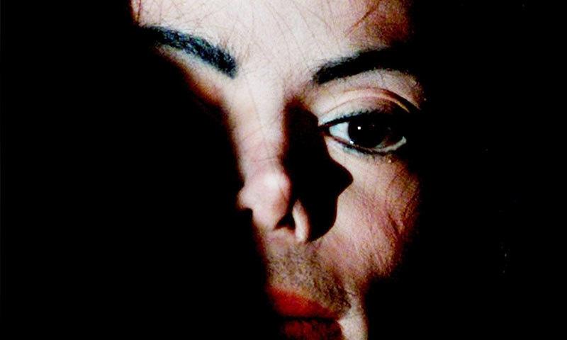 مائیکل جیکسن پر بچوں کے ریپ کے الزامات بھی لگائے جاتے رہے ہیں—فوٹو: رائٹرز