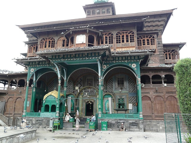 The Shah-i-Hamdan mosque in Srinagar   Creative Commons