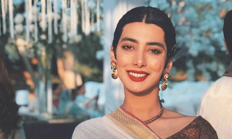 اداکارہ ایمان سلیمان نے اچانک منگنی کرلی، جلد شادی کرنے کا اعلان