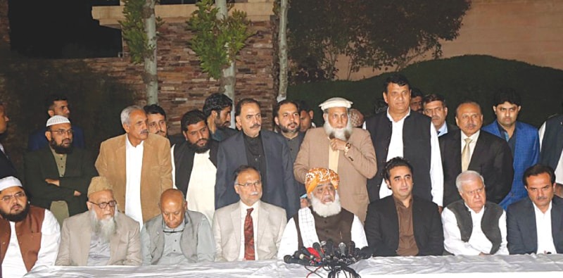 JAMIAT Ulema-i-Islam-F chief Maulana Fazlur Rehman, Pakistan Peoples Party chairman Bilawal Bhutto-Zardari, Ahsan Iqbal of the Pakistan Muslim League-N and other opposition leaders pictured at the media briefing.—White Star