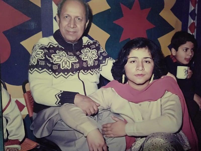 رافعہ راشد قتیل شفائی کے ہمراہ